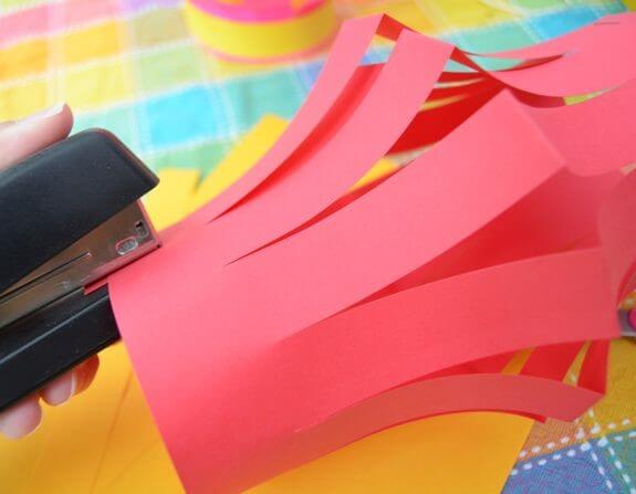 tutorial-for-kids-to-make-paper-lanterns5