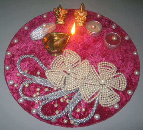 decorative-thali-for-diwali-puja