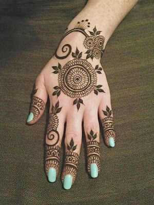 uber-cool-mehndi-designs-for-navratri-03-1