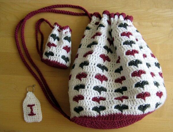 crochet-drawstring-bags