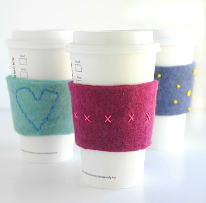 felt-embroidered-coffee-cup-cozies