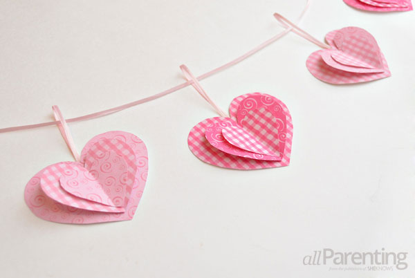 paper-heart-garland-image-6