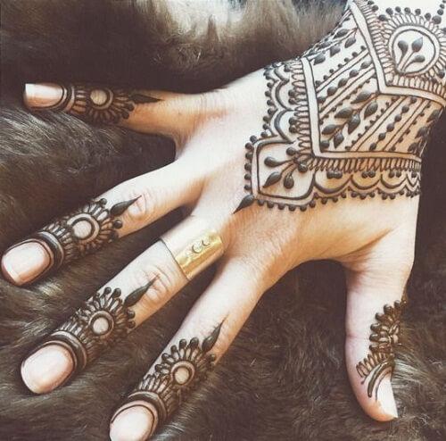 bewildering-arabic-mehndi-designs