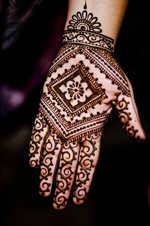 divine-palm-arabic-mehndi-designs