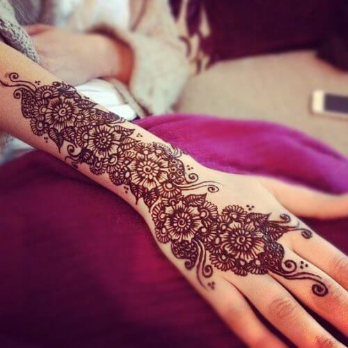 pretty-flowers-arabic-mehndi-designs