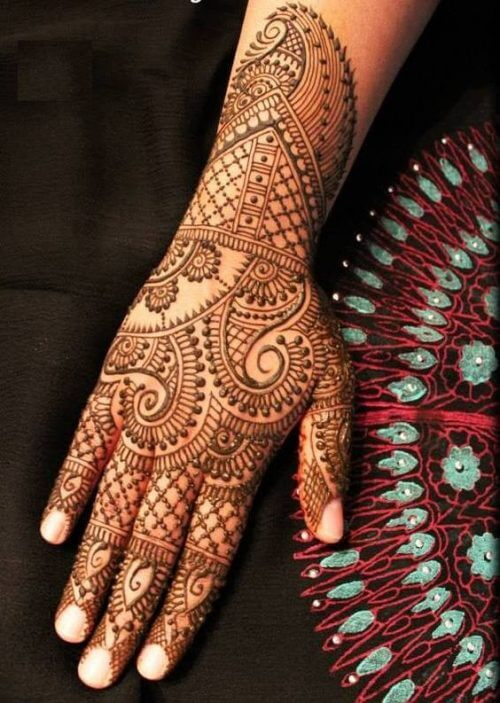 veil-and-flower-arabic-mehandi-designs-for-tattoos