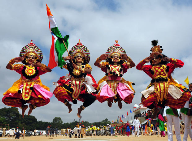 Yakshagana-Performers-Jumping-With-Indian-Flag-During-The-Independence-Day-Celebration