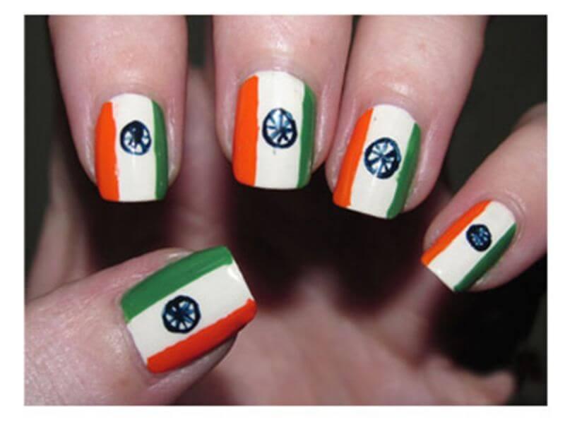artistic-tri-colour-nail-art