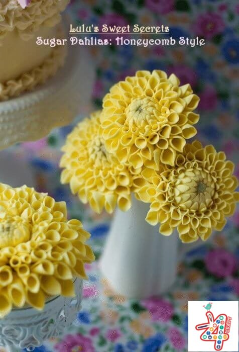 chrysanthemums-to-decorate-the-birthday-cake-a