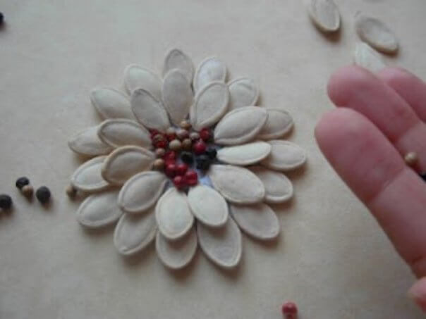 DIY-Pumpkin-Seed-Flower-Christmas-Ornament-k4craft-5