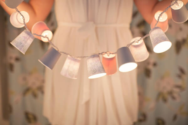 DIY-Dixie-Cup-Light-Garland-k4craft-featured