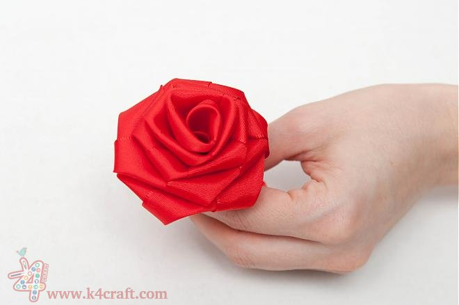 How-to-make-a-ribbon-rosette-k4craft-0