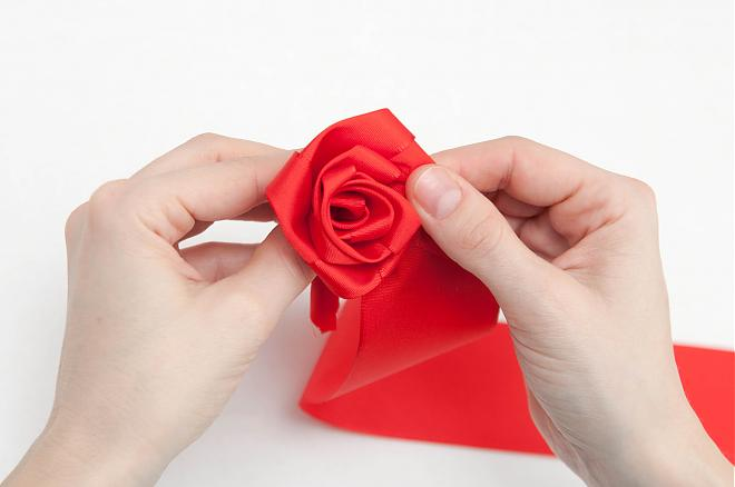 How-to-make-a-ribbon-rosette-k4craft-14