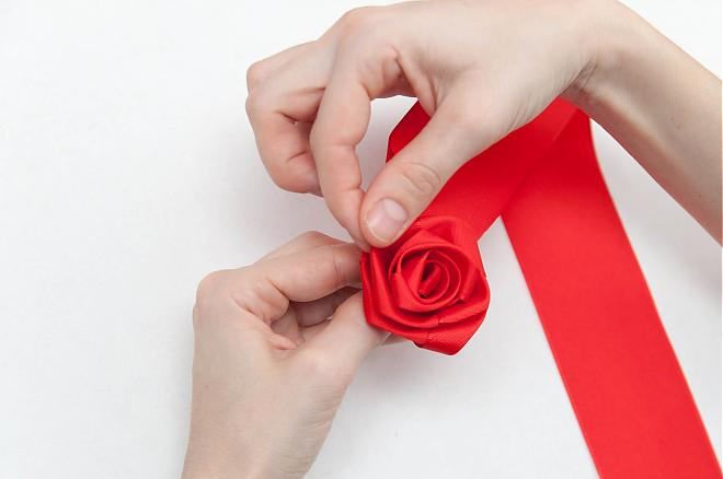How-to-make-a-ribbon-rosette-k4craft-15