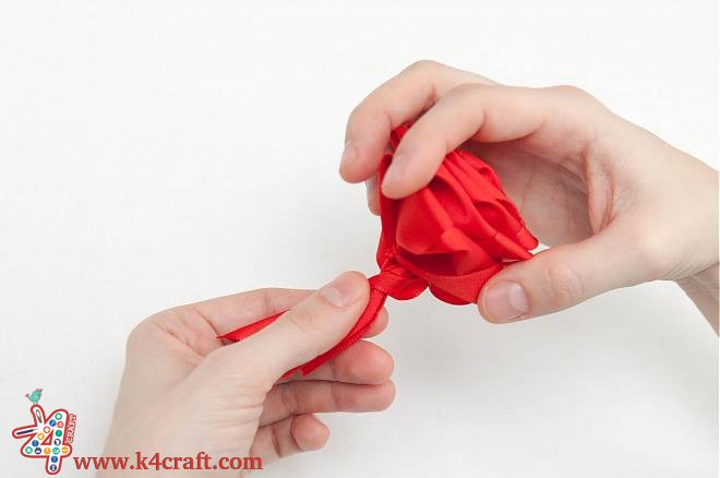 How-to-make-a-ribbon-rosette-k4craft-19