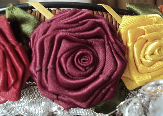 How-to-make-a-ribbon-rosette-k4craft-23