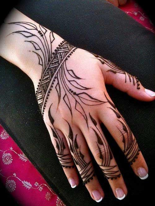 Beautiful-Henna-Mehndi-Designs-20