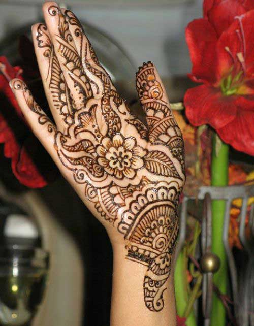 Beautiful-Henna-Mehndi-Designs-7