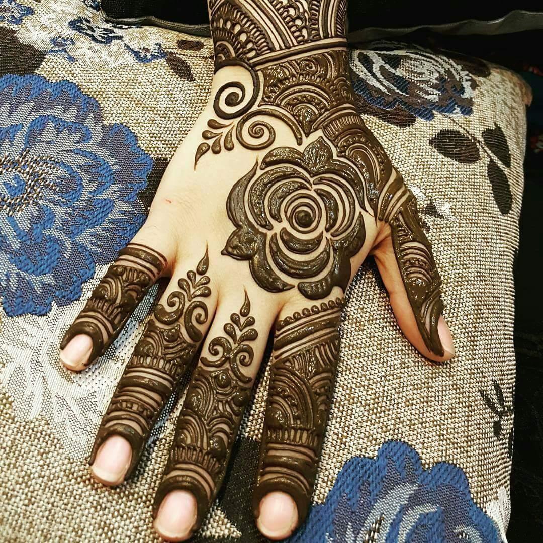 20 Stylish Mehndi Designs For Durga Puja Navratri