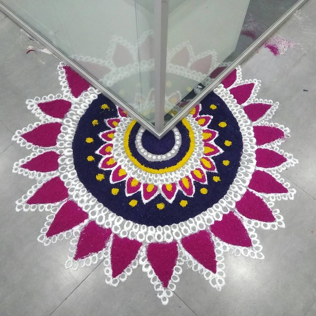 Beautiful rangoli designs for diwali 2017 k4 diy for Home made rangoli designs